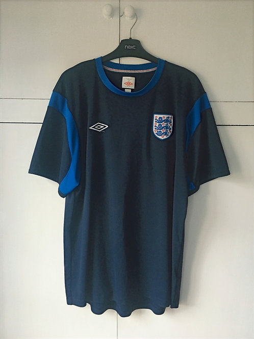 2010-11 England Umbro Training Shirt (Excellent) XL
