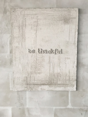 'Be Thankful', 2018 Alçıpan, Beton, 110 x 86 cm