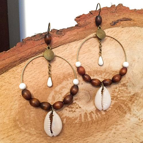 Boucles d'oreilles coquillage et perles de bois