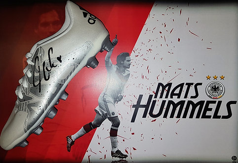 Mats Hummels signed football boot