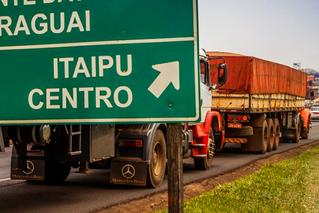 Caminhões terão horário de circulação restrito na Ponte da Amizade