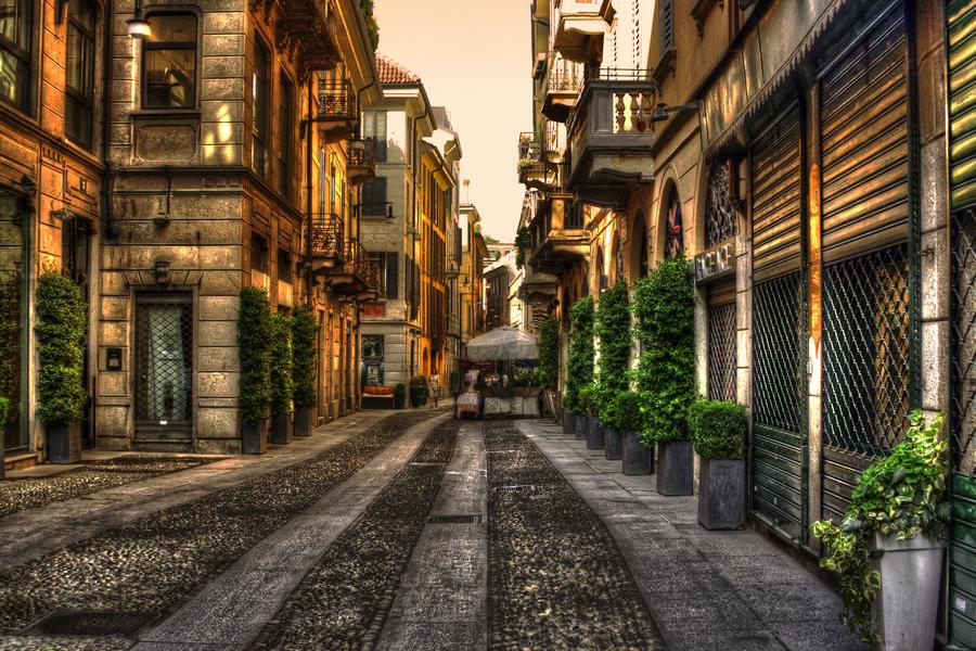 BRERA - FIORI CHIARI Street