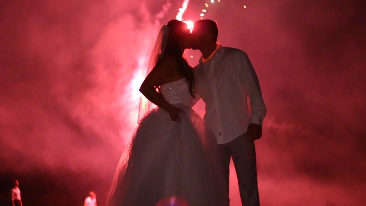 firework kiss