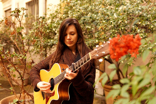 Clémentine Dubost folk singer