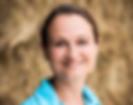 Dr. Vivian Gabor ist Biologin, promovierte Pferdewissenschaftlerin, Trainerin und Fachbuchautorin