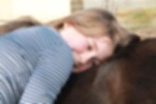 Die Ausbildung zum pferdegestützen Therapeuten IVK umfasst alle wichtigen psychologischen Grundlagen