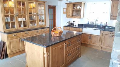 Pippy Oak Kitchen