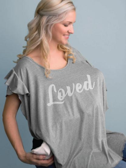 """T-Shirt Nursing Cover """"Loved"""""""