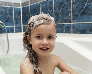 Plastic free, vegan shampoo bars recommendations for  children. Free from SLS, palm-oil and parabens.