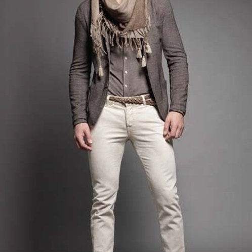 Super Casual Outfit For Men In Winter With Scarf For Layering