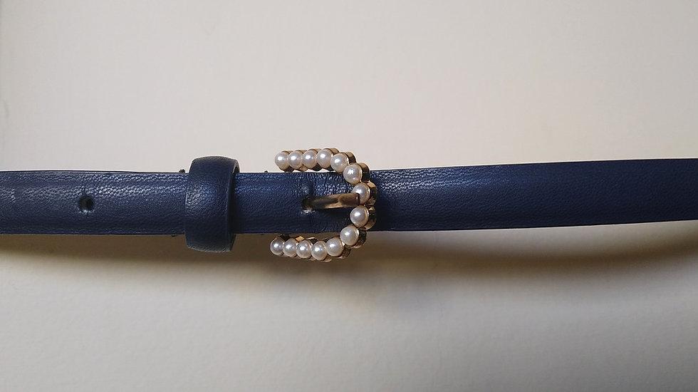 Cinto fininho de couro azul-marinho