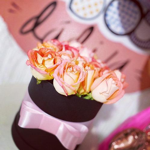 Caja con 18 rosas
