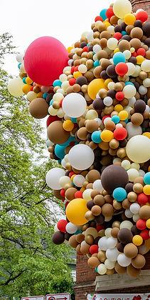 Decoración con globos en Monterrey. Decoración de globos para todo tipo de eventos. Arreglos de globos originales en diferentes tamaños para bodas, cumpleaños, bautizos, graduación, fiestas, gender reveal, eventos empresariales. Regalos personalizados en globos.