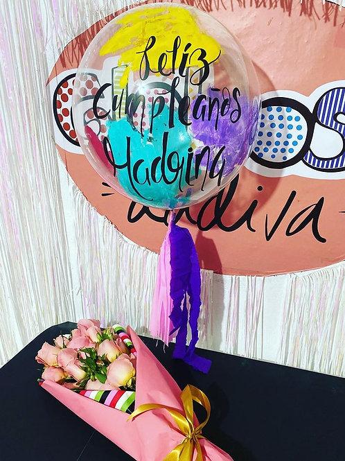 """Burbuja de 18""""conpintura y ramo de 24 rosas naturales"""