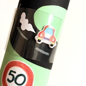 Ćwiczenie orientacji kierunkowej lewo - prawo - Zabawka z recyklingu
