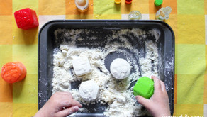 Zapachowy piasek kinetyczny – Kreatywna zabawa sensoryczna