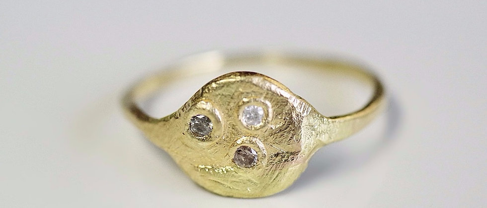 Water Full Moon Ring / Three Wishes Diamonds