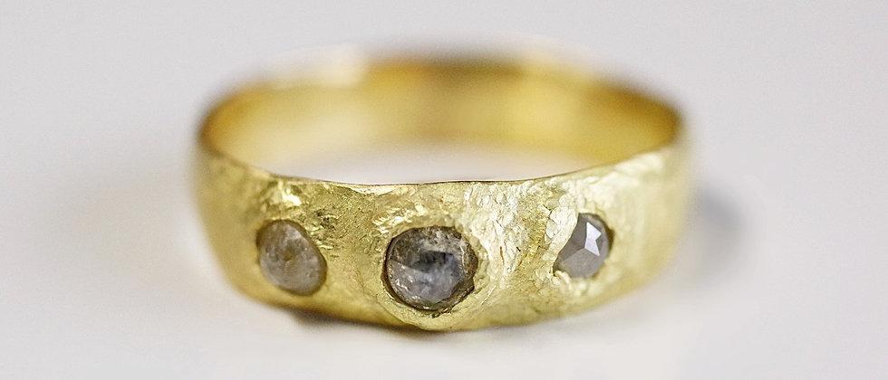 Sketch Diamond Ring