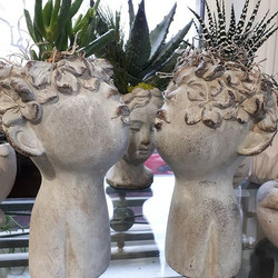 Aren't these ceramic kissing faces the m