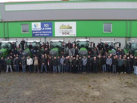Livraison de 6 tracteurs à la CUMA Croisière