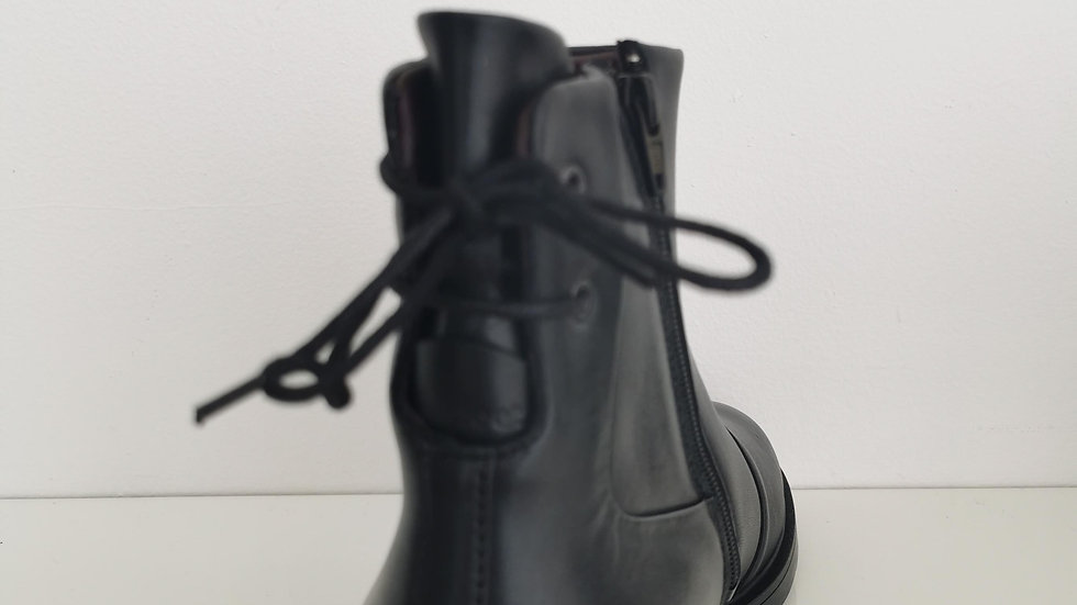 New Feet Laced Back Boot Black