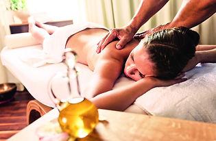 Massage_Moritz_Attenberger.jpg