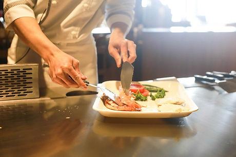restaurant-1284351_1280.jpg