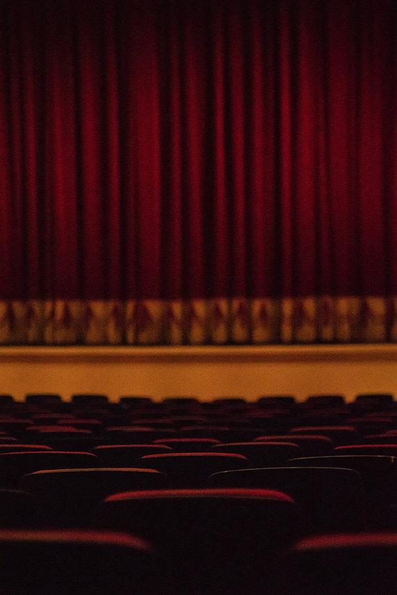 empty theater seats_edited.jpg