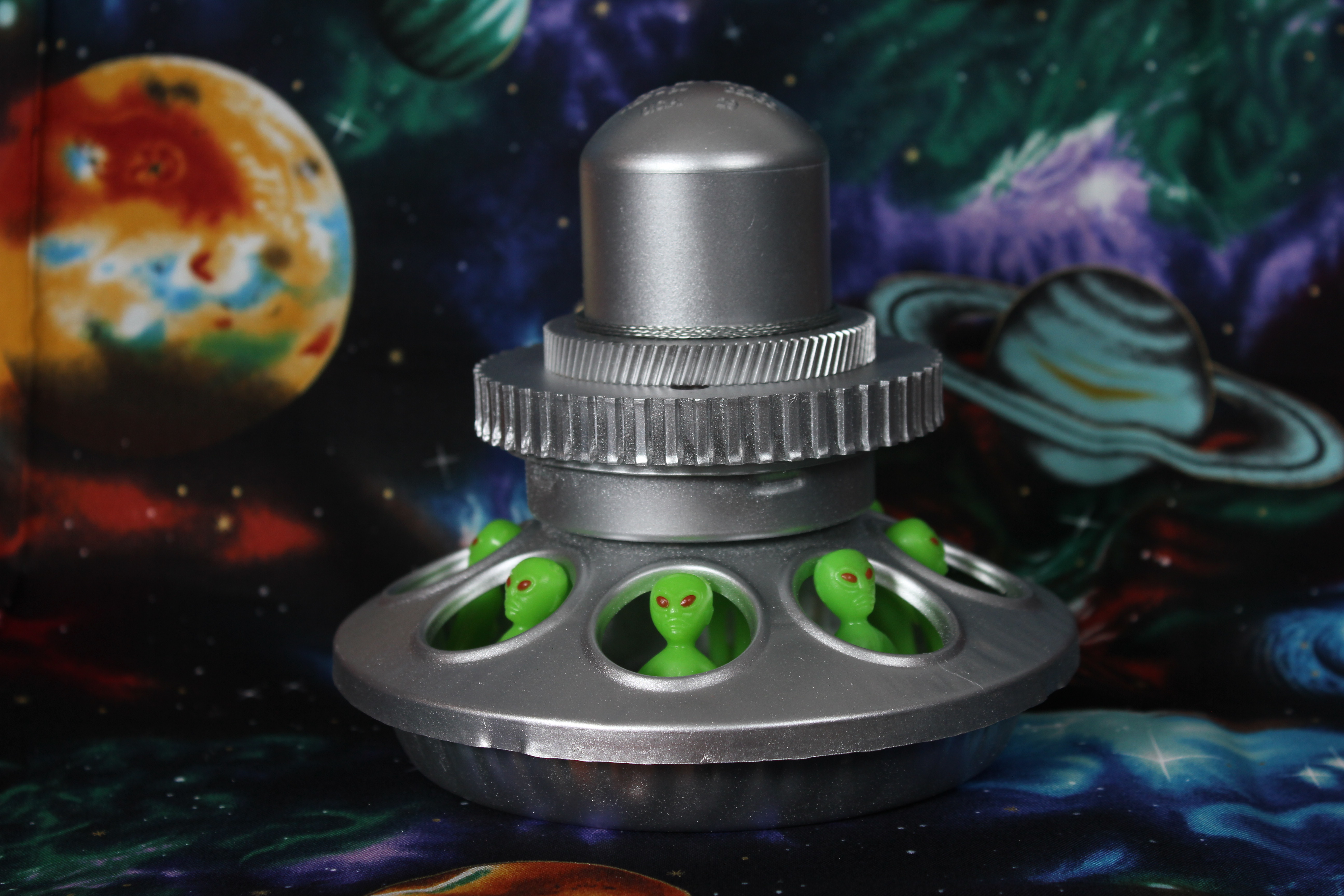 3 Alien Chick Magnet