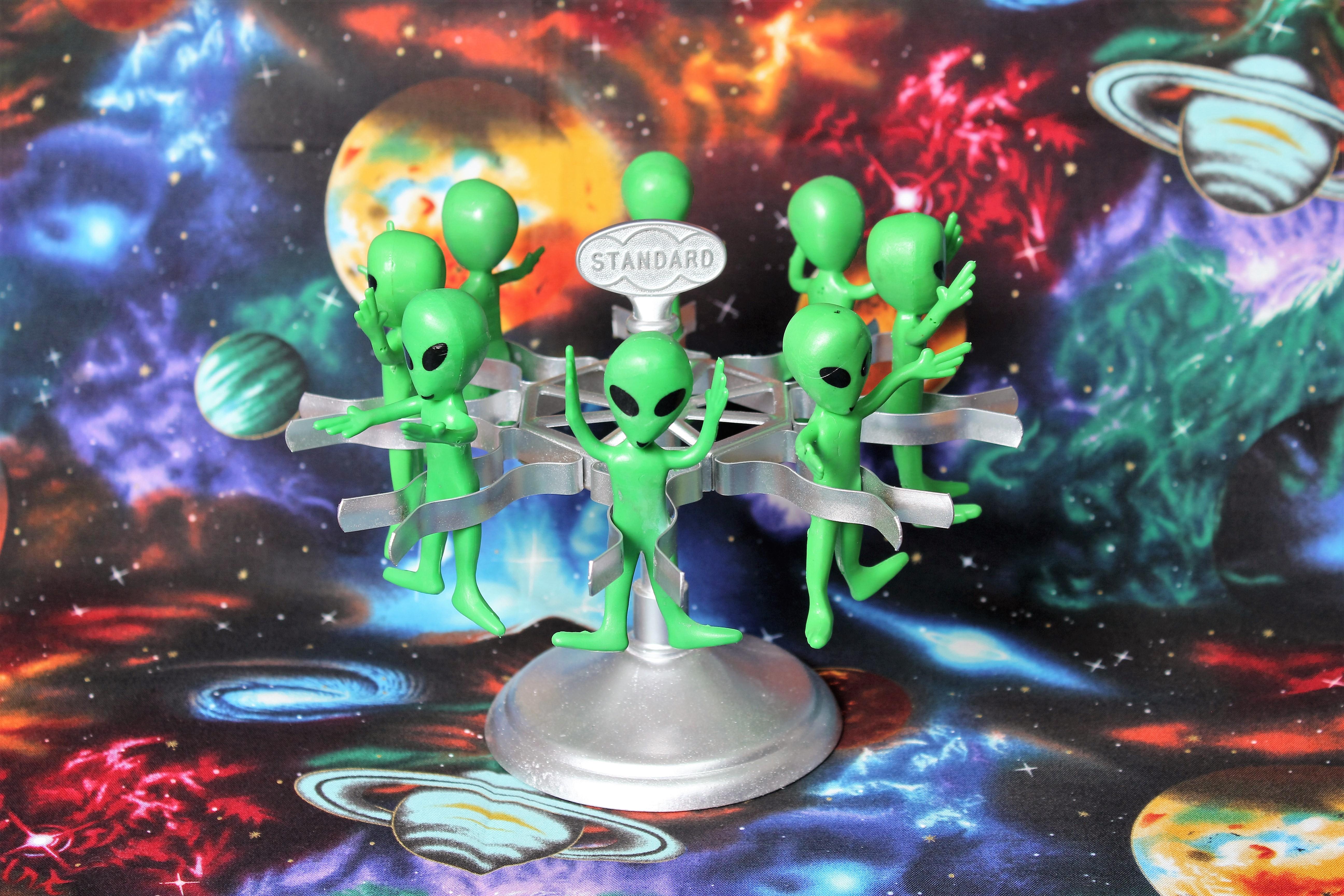80 Alien-Go-Round