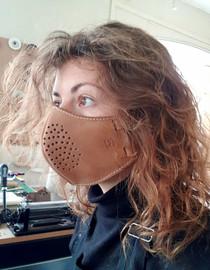 Masque en cuir sur mesure