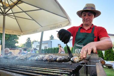 Florian grillt jeden Dienstag im Sommer Fisch