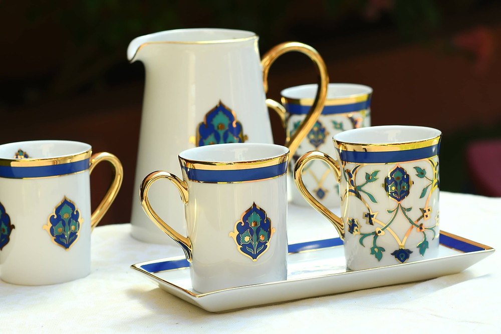This pair of coffee mugs elevates every coffee date to a Persian affair.