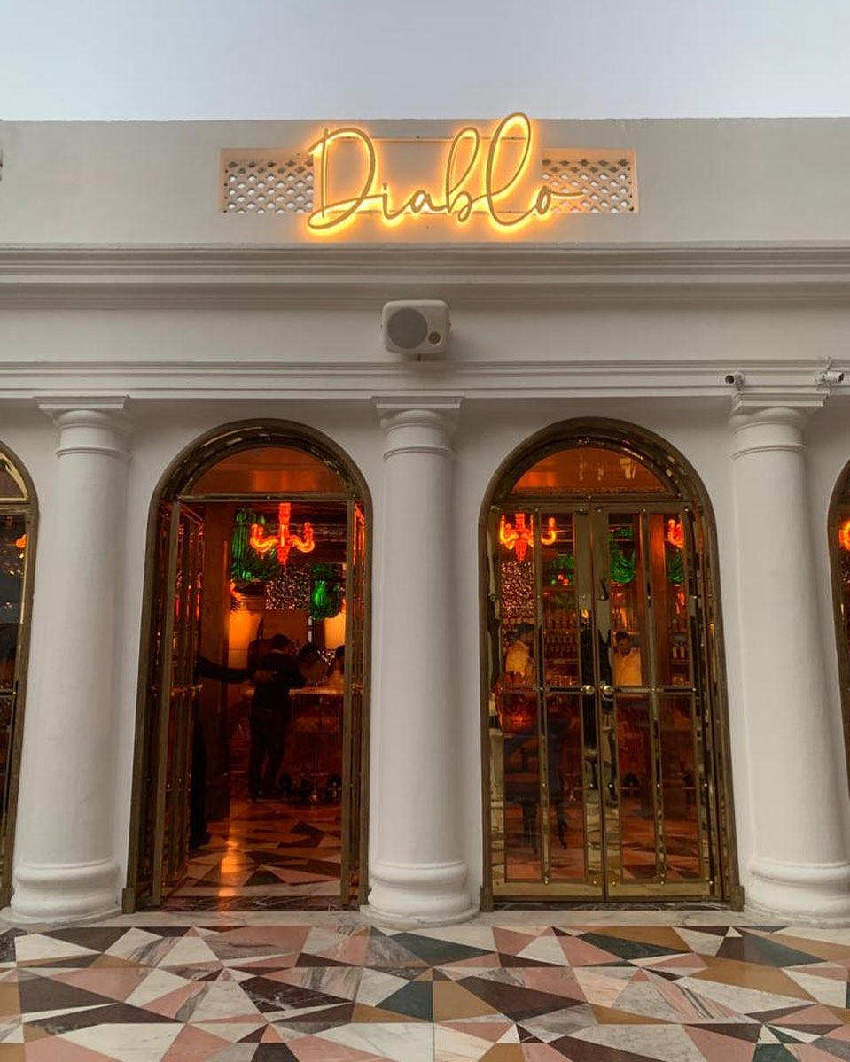 The magnificence of Diablo - Mehrauli awaits to welcome you and please your taste buds with the intricate flavors of Modern Middle Eastern delicacies!