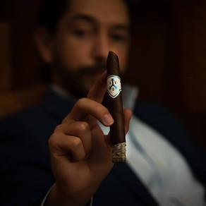 How To Smoke A Cigar Like A PRO