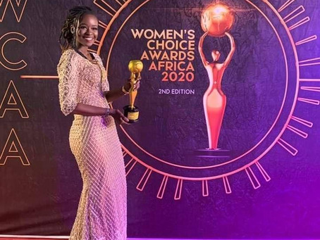 Sophie Gueye Gagne le trophée Women's choice Awards Africa 2020
