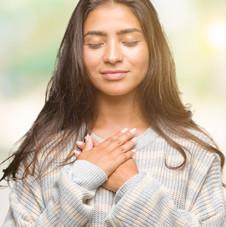Junge Frau im Gebet, Meditation.jpg