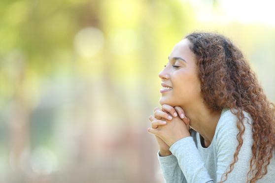 Frau in Meditation, Gebet.jpeg