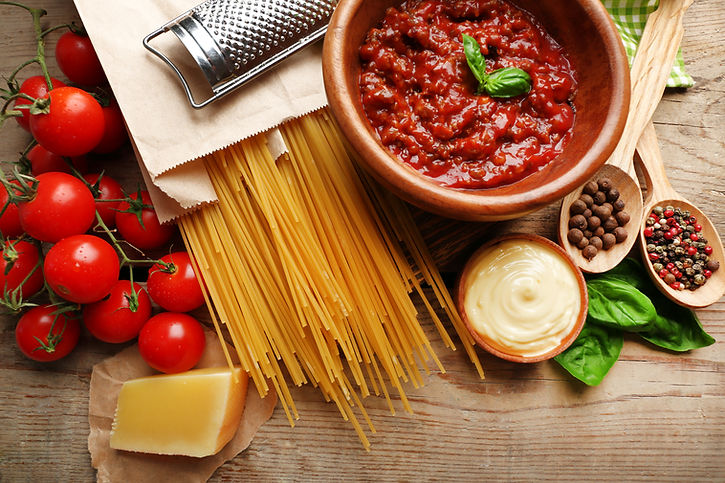 Pasta spaghetti with tomatoes, sauce bol