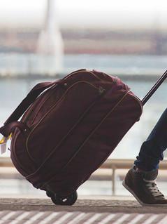 Hemos ayudado a muchas personas en obtener visas para turismo, negocios y estudios.  We have helped many people obtain visas for tourism, business and studies.