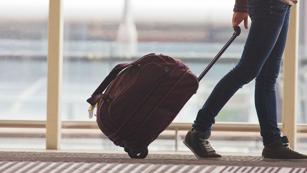 2 Medium suitcases: a reflection by the 'newbie' minimalist