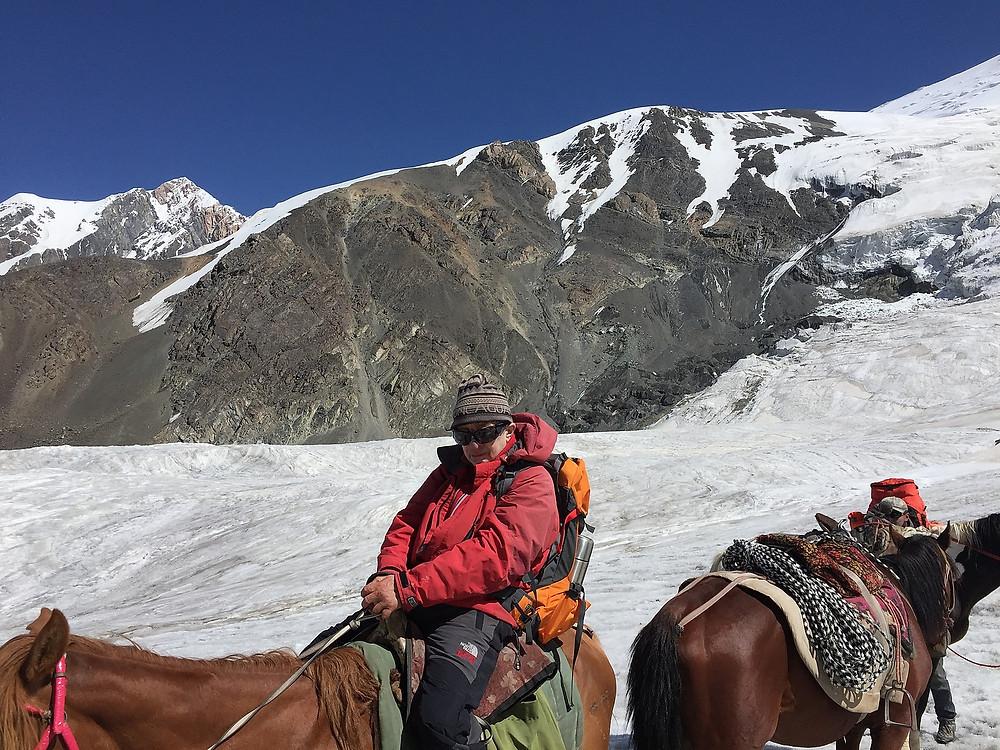 Спуск на лошади до Лагеря 1 | Треккинг к Пику Ленина | Блог Сергея Чеботова