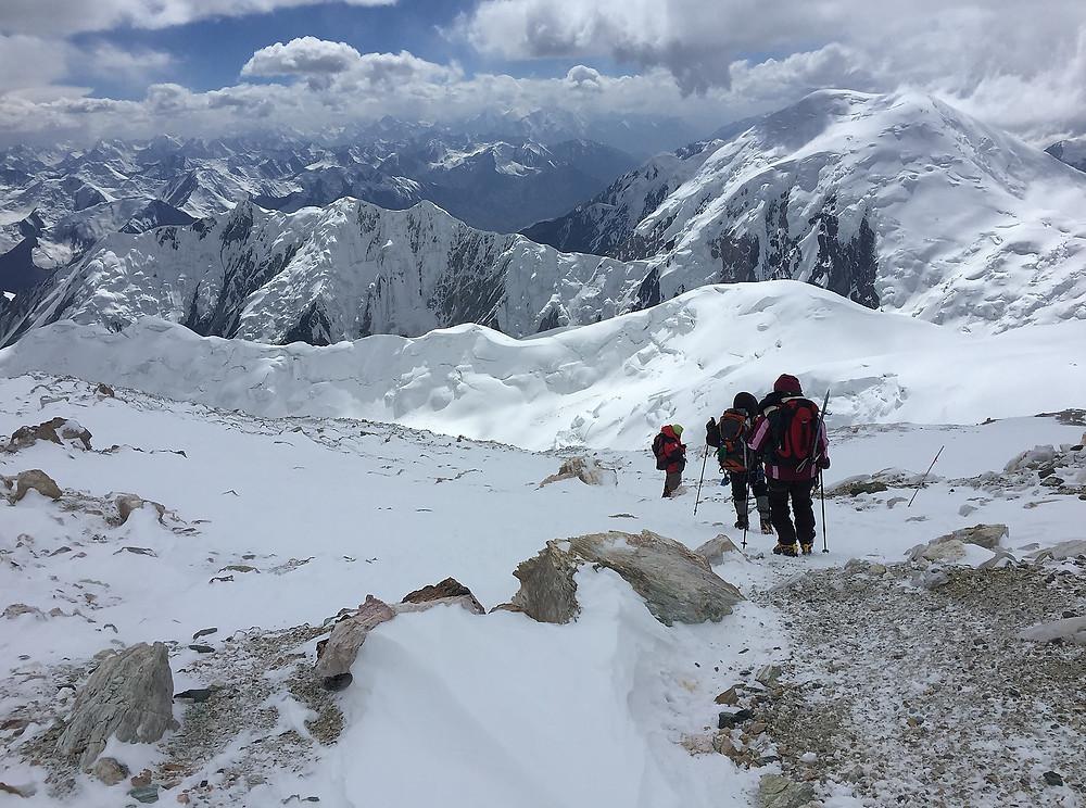 Начинаем спуск с вершины Пика Ленина | skitour.club | Блог Сергея Чеботова