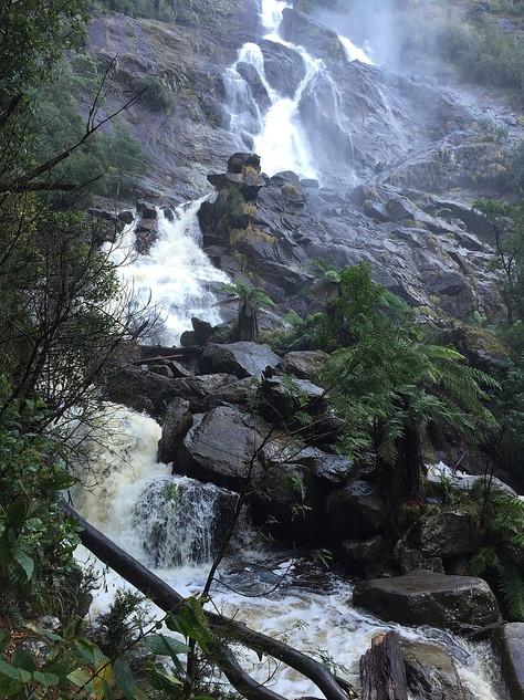 Санкт Хеленс — Водопад святого Колумба — Тасмания 2017 — Блог о путешествиях Сергея Чеботова