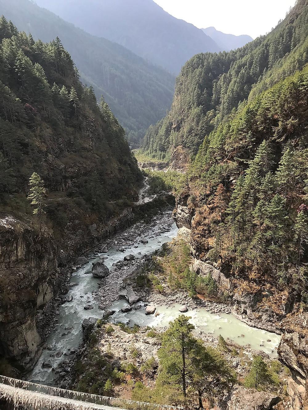 Место слияния рек Дудх Коси и Бхоти Коси