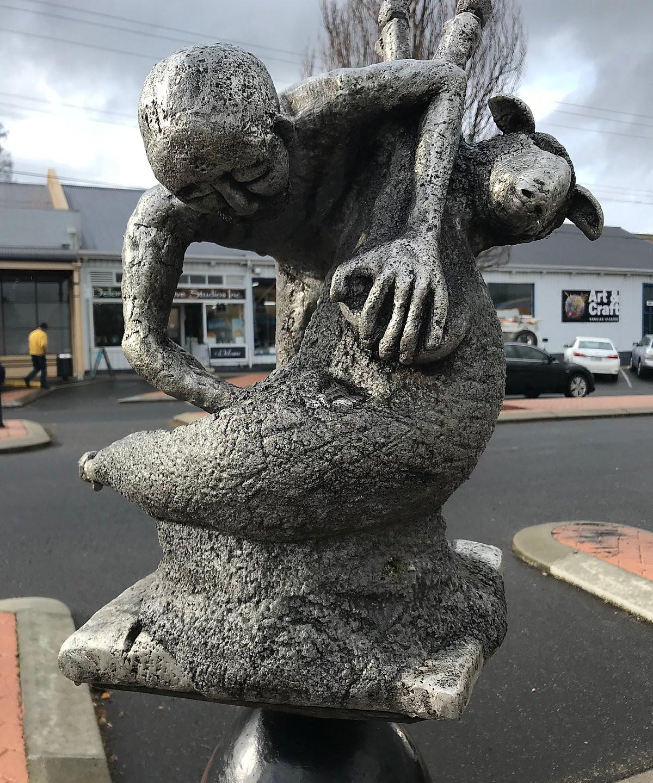 Уличные скульптуры г. Деларайн — Тасмания 2018 — Блог о путешествиях Сергея Чеботова