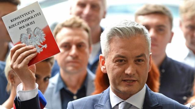 Pode um jovem prefeito gay mudar a Polônia?
