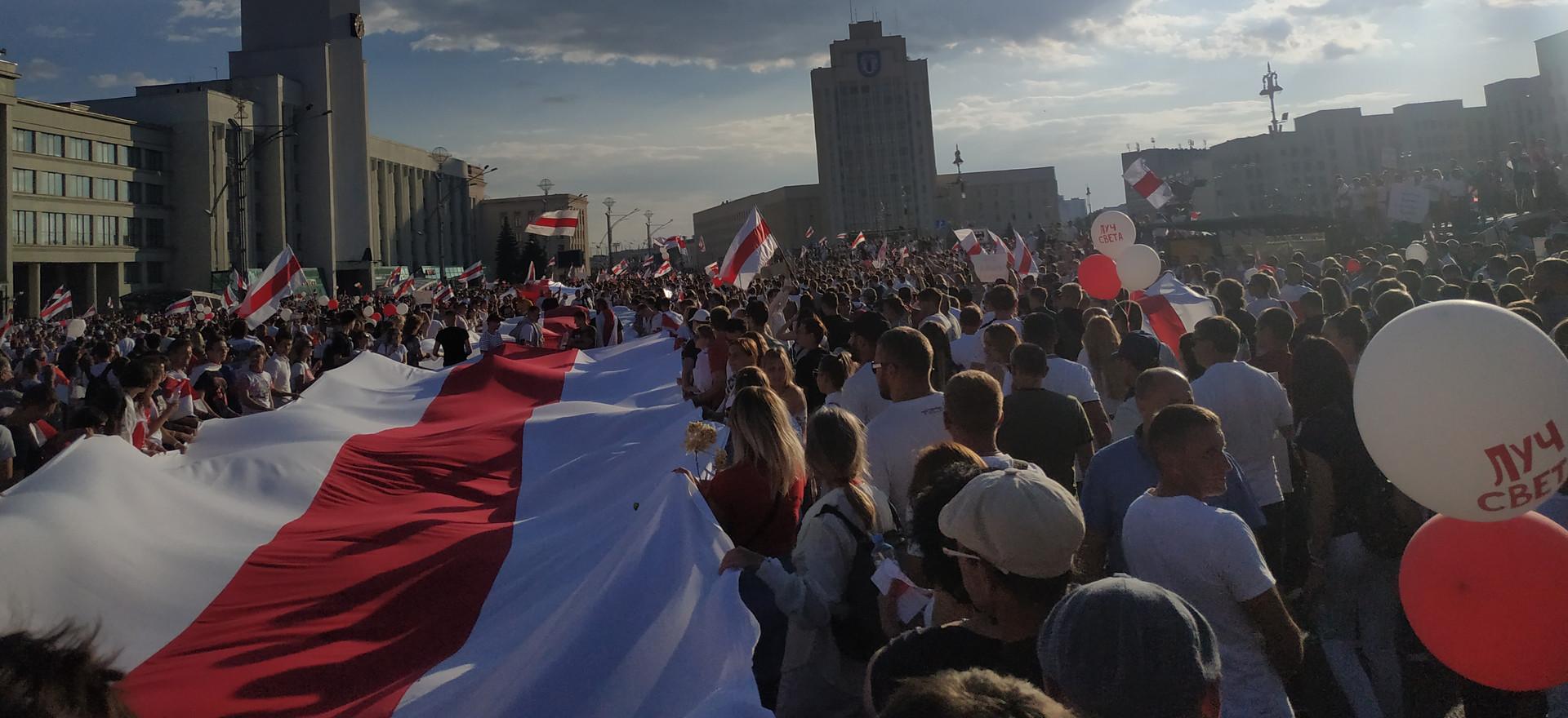 Reeleição de Lukashenko gera manifestações em Belarus