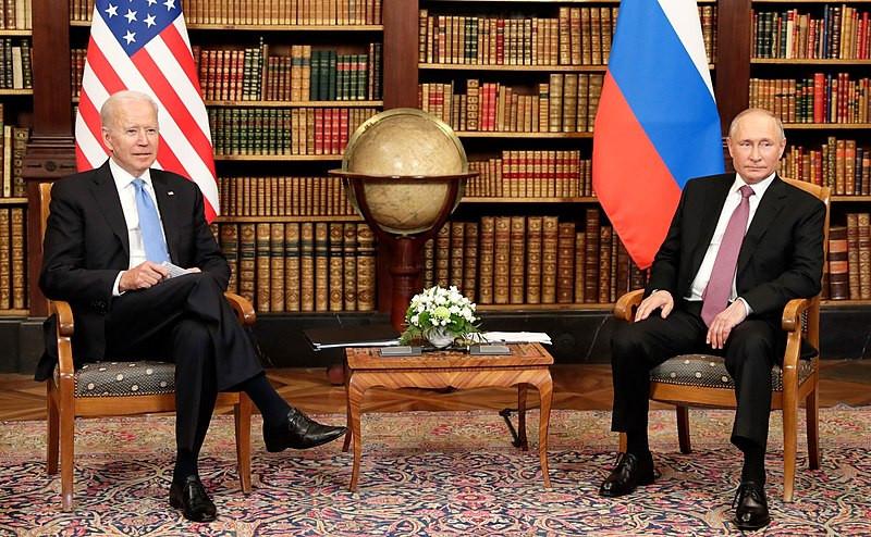 Primeiro encontro entre Putin e Biden ocorre na Suíça