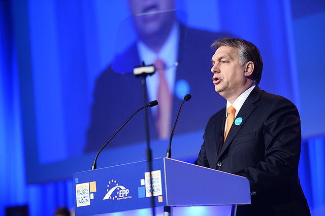 Em visita à Sérvia, Orbán reafirma apoio a ingresso do país balcânico na UE